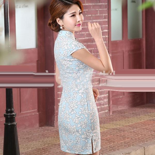Голубое хлопковое платье ципао с мелким белым узором