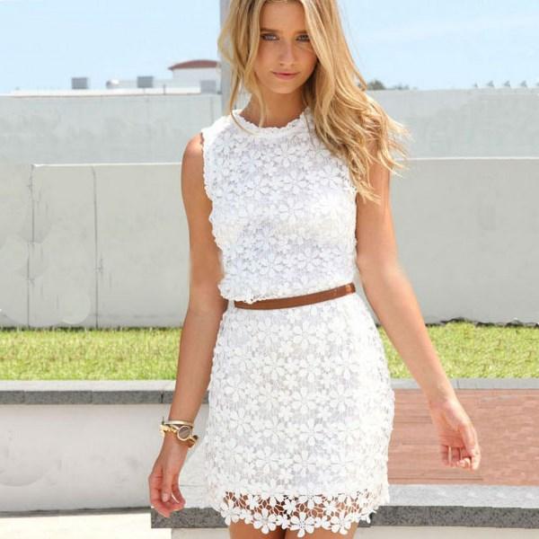 Короткие летние платья всегда популярны
