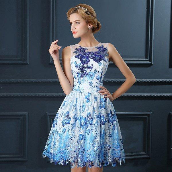 Красивое короткое платье на свадьбу к подруге