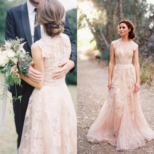 Кружевное бежевое свадебное платье