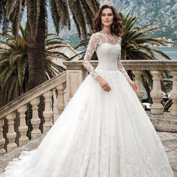 Кружевное свадебное платье А-силуэта