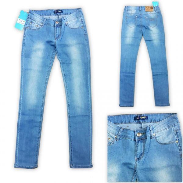 Модные светлые джинсы весенне-летний вариант