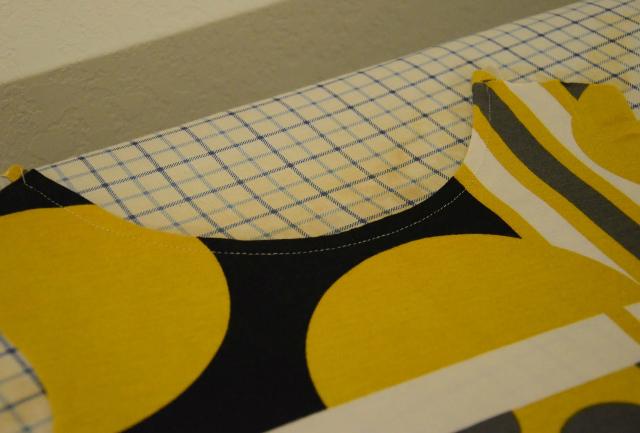 Обработка плечевых швов