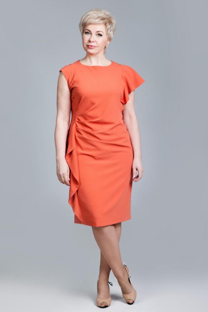 Оранжевое приталенное платье
