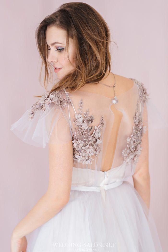 Оригинальный стиль платья