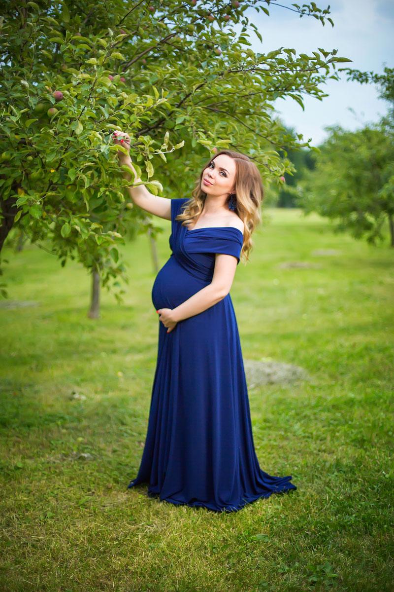 Платье красивого тёмно-синего цвета