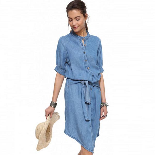 Синее платье из льна