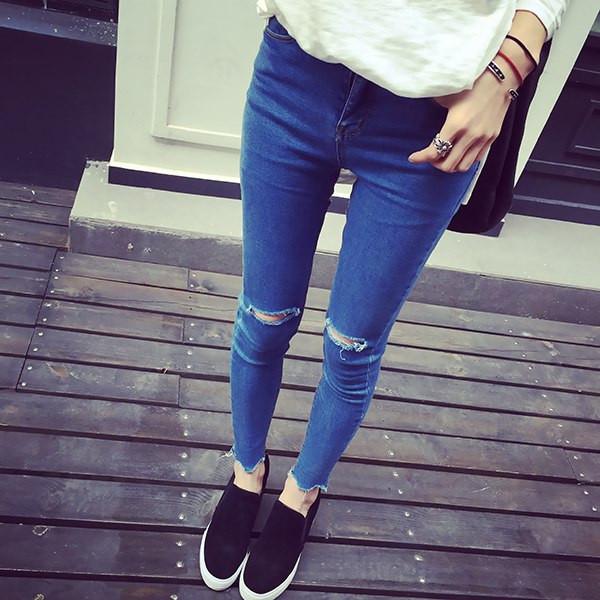 Синий рваные джинсы