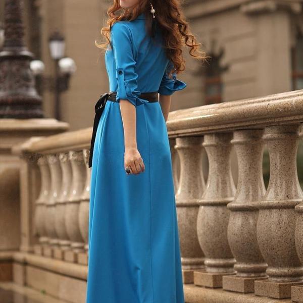 Голубой цвет современного платья