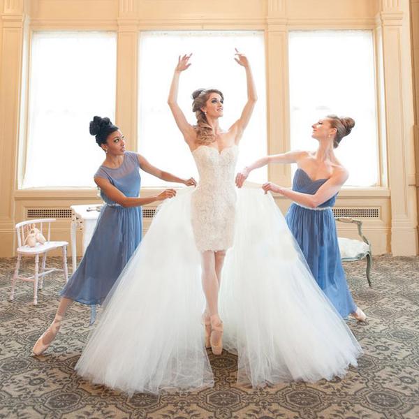 Свадебные платья-трансформеры белого цвета