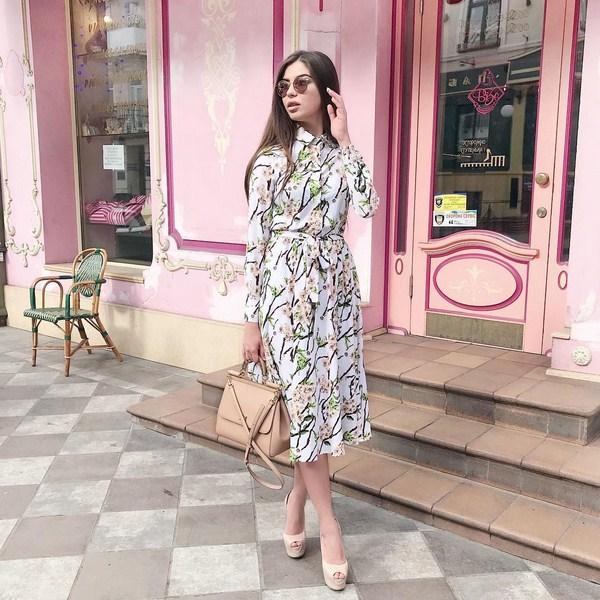 Цветочное платье-рубашка в сезоне 2018