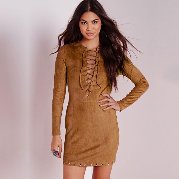Яркое платье из замши