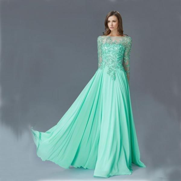 Красивое свадебное платье цвета лазурного моря