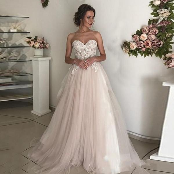 Кружево на платье невесты
