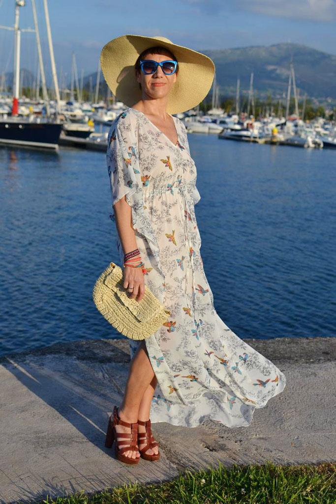 Летний лук с длинным шифоновым платьем