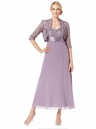Платье с завышенной талией для женщины средних лет