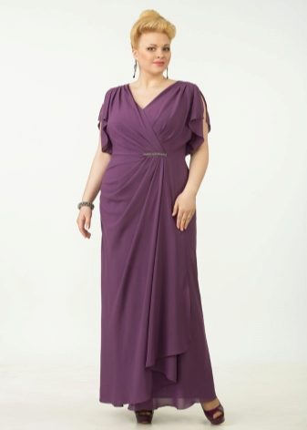 В качестве вечернего летнего наряда можно приобрести платье из шифона