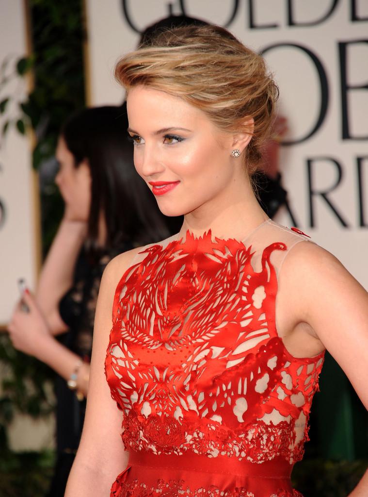 Макияж под красное платье в картинках
