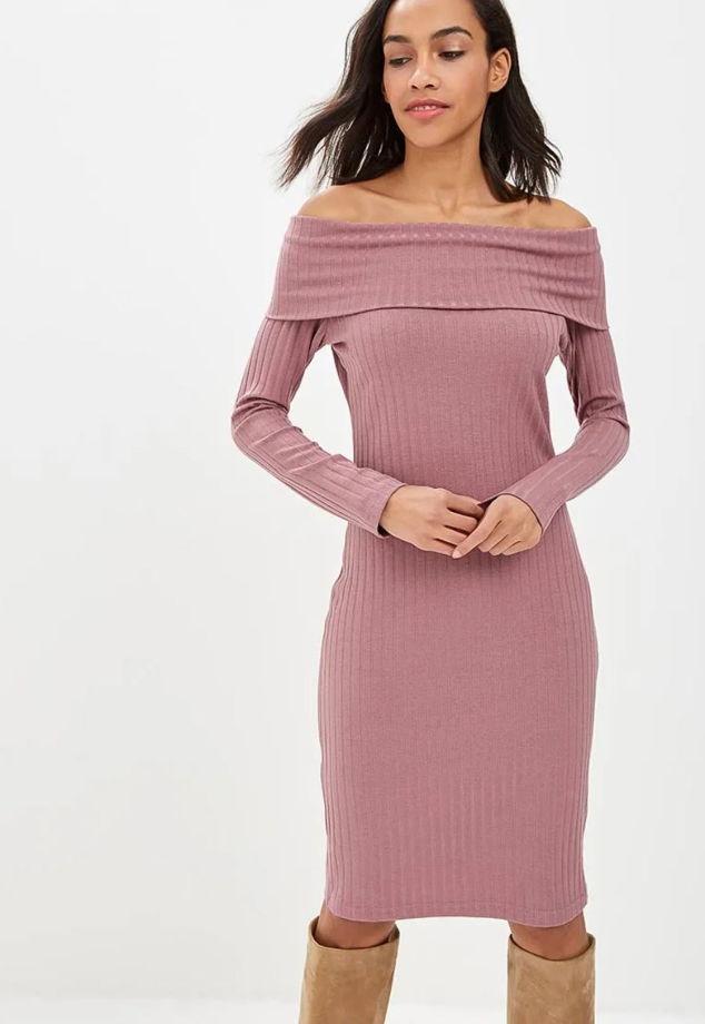 Plate-s-otkrytymi-plechami-len-trikotazh Модный тренд весна-лето 2019-2020: платья с открытыми плечами и блузы с открытыми плечами