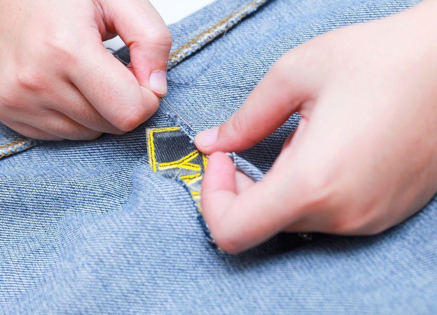 как зашить джинсы на коленке вручную фото были